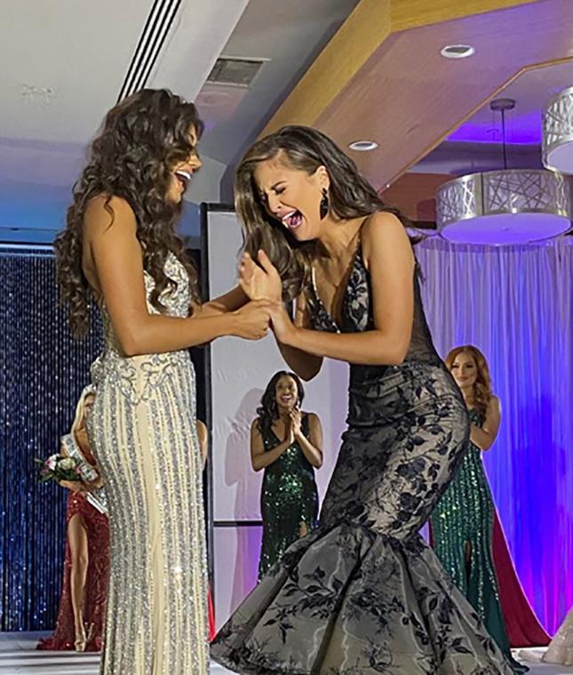 Ngắm đường cong sexy của người đẹp 19 tuổi đăng quang Hoa hậu Quốc tế Mỹ 2020 ảnh 1