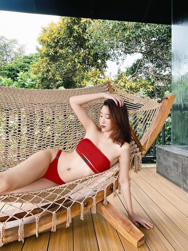 Mâu Thuỷ, Đỗ Mỹ Linh và dàn hoa hậu đình đám 'thiêu đốt' fans với loạt bikini nóng bỏng ảnh 8