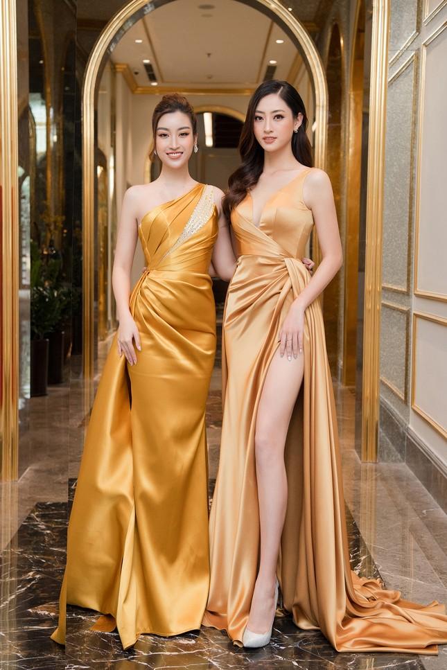 Dàn người đẹp trải nghiệm khách sạn 8 sao dát vàng tại Hà Nội ảnh 8