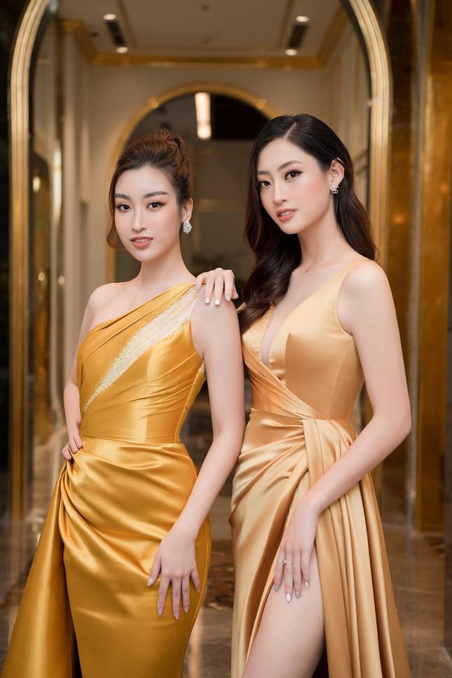 Dàn người đẹp trải nghiệm khách sạn 8 sao dát vàng tại Hà Nội ảnh 7