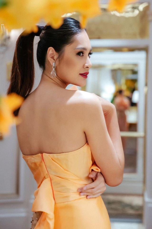 Võ Hoàng Yến mặc váy xẻ ngực gợi cảm, H'hen Niê khoe lưng trần với da nâu quyến rũ ảnh 7
