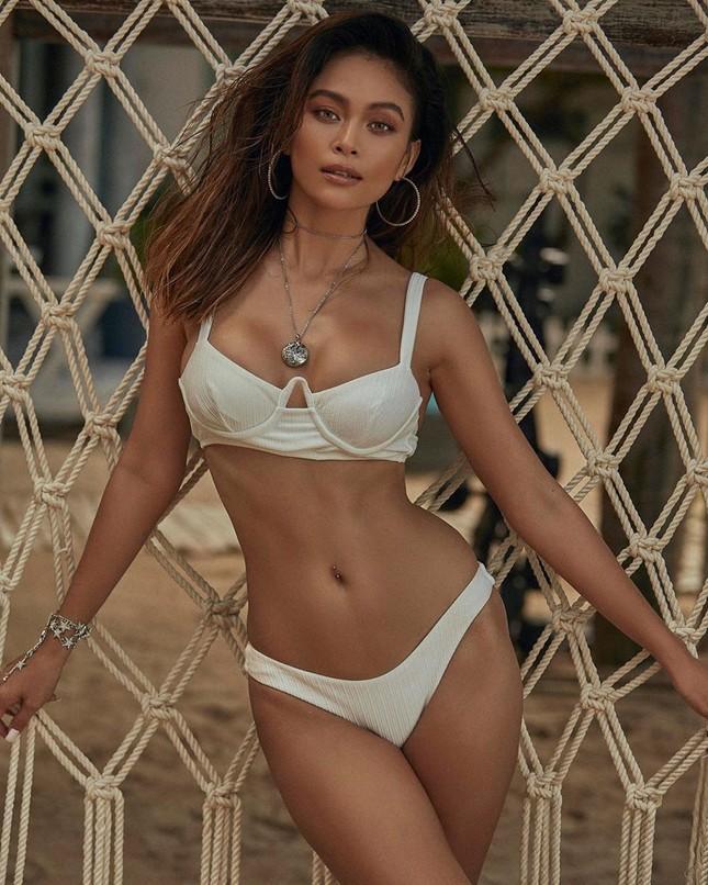 Mâu Thuỷ lại 'đốn tim' fans với loạt ảnh bikini khoe đường cong nóng bỏng trên biển ảnh 5