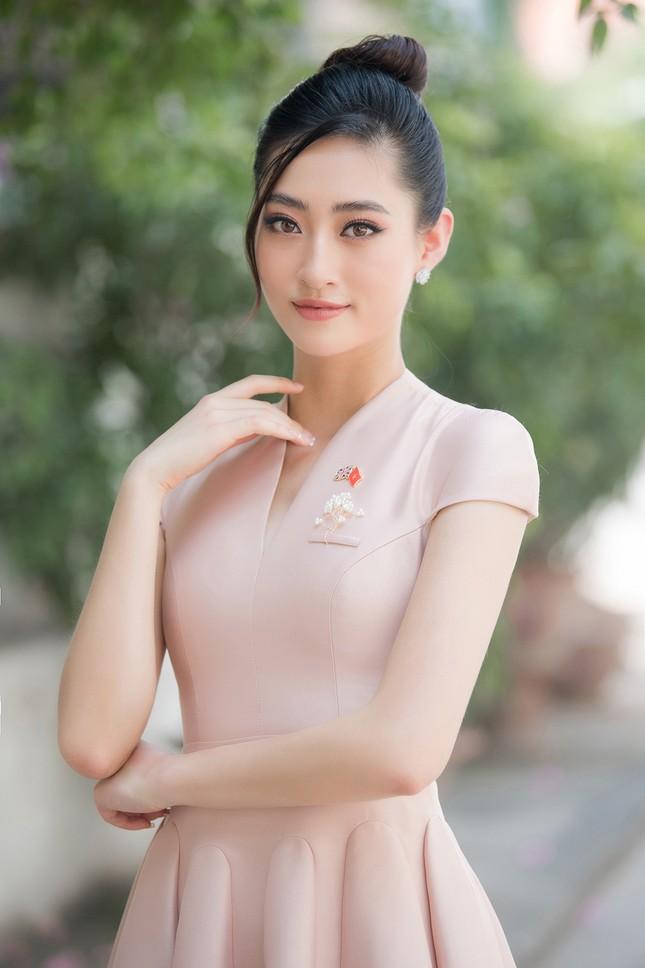 Lương Thuỳ Linh khoe sắc vóc 'thần tiên tỷ tỷ', diện váy kín đáo vẫn cực xinh đẹp ảnh 5