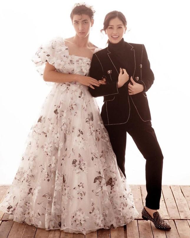 Á hậu Phương Nga - Bình An thực hiện ảnh cưới theo phong cách 'hoán đổi giới tính' ảnh 1