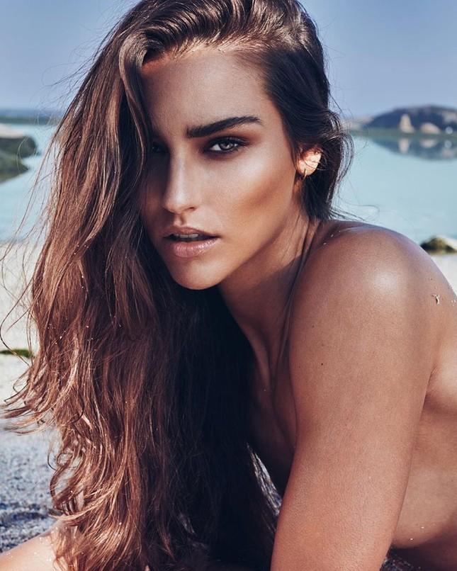 Tân Hoa hậu Trái Đất Mỹ gây choáng ngợp với nhan sắc nóng bỏng, xinh đẹp ảnh 2