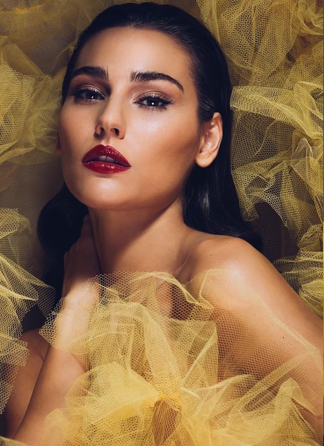 Tân Hoa hậu Trái Đất Mỹ gây choáng ngợp với nhan sắc nóng bỏng, xinh đẹp ảnh 1