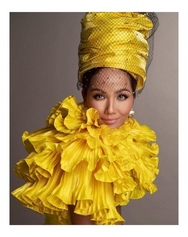 Võ Hoàng Yến hóa 'nữ thần' với váy xuyên thấu, Tiểu Vy diện váy cổ chữ V nóng bỏng ảnh 7