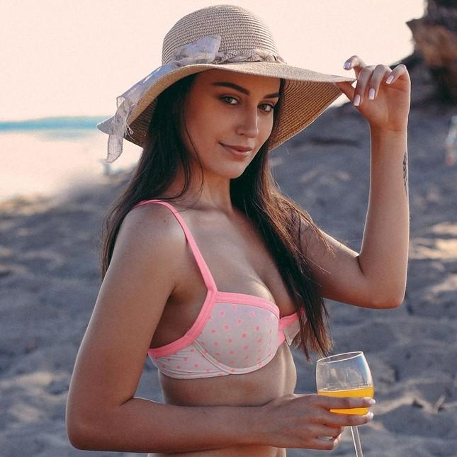 Tân Hoa hậu Trái đất Ba Lan nóng bỏng không thua kém 'thiên thần' Victoria's Secret ảnh 5
