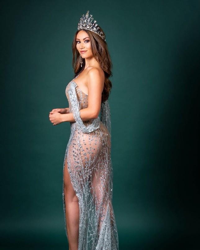 Huấn luyện viên thể hình sở hữu vẻ nóng bỏng 'đốt mắt' lên ngôi Hoa hậu Trái đất Hà Lan ảnh 2
