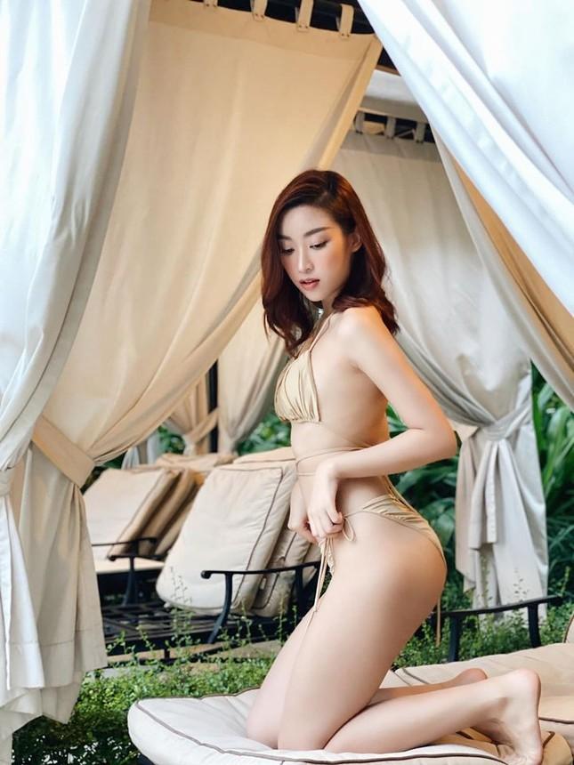 Đỗ Mỹ Linh 'đốt mắt' với bikini, Giáng My không kém đàn em với vóc dáng sexy trên biển ảnh 2