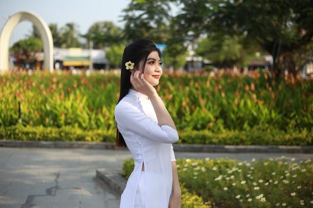 Nữ sinh Cà Mau từng phải nghỉ học do gia cảnh khó khăn dự thi Hoa hậu Việt Nam ảnh 3