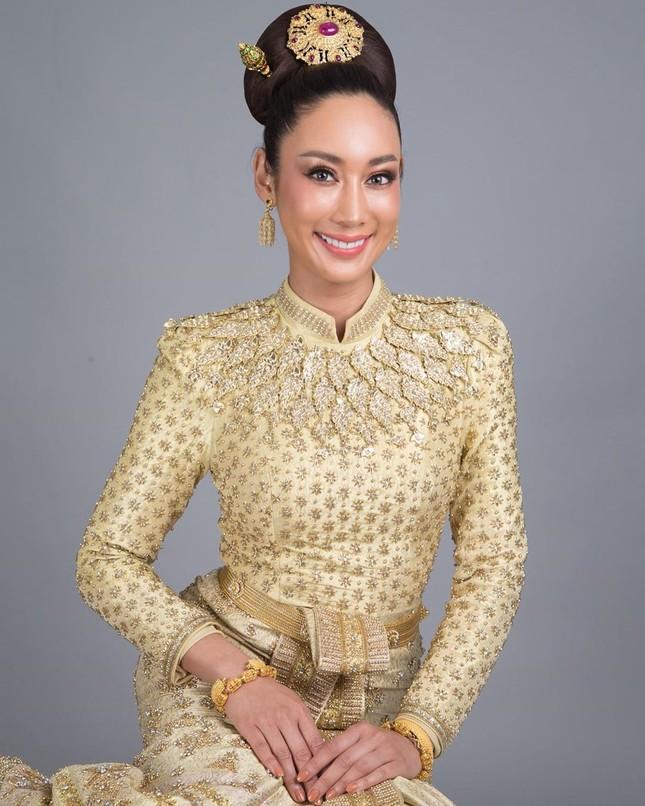 Nữ DJ nghiện thẩm mỹ gây sốc khi lần thứ 2 được chỉ định thành Hoa hậu Trái đất Thái Lan ảnh 4