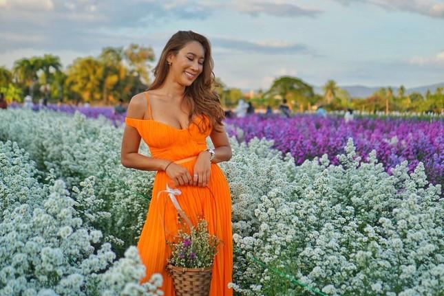 Nữ DJ nghiện thẩm mỹ gây sốc khi lần thứ 2 được chỉ định thành Hoa hậu Trái đất Thái Lan ảnh 13