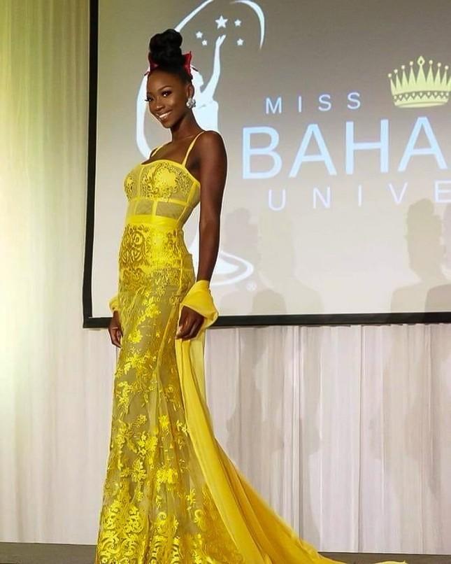 'Búp bê da màu' sở hữu đường cong 'rực lửa' lên ngôi Hoa hậu Hoàn vũ Bahamas ảnh 3