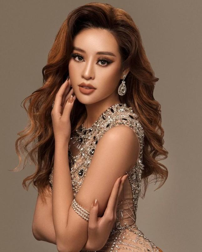Võ Hoàng Yến 'tấu hài' với mái tóc súp-lơ, Mai Phương Thuý nóng bỏng cùng áo tắm ảnh 7
