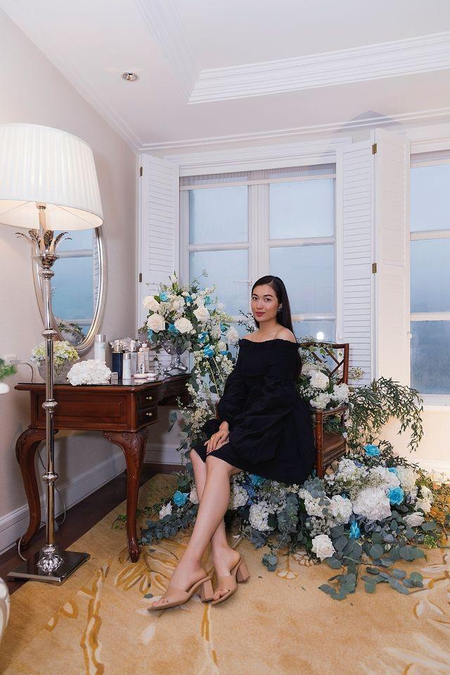 Võ Hoàng Yến 'tấu hài' với mái tóc súp-lơ, Mai Phương Thuý nóng bỏng cùng áo tắm ảnh 15