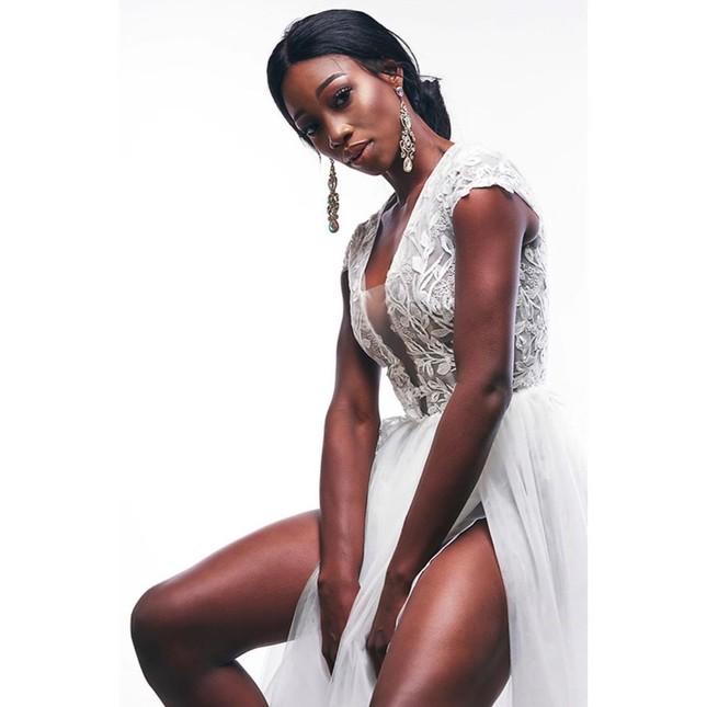 'Búp bê da màu' sở hữu đường cong 'rực lửa' lên ngôi Hoa hậu Hoàn vũ Bahamas ảnh 7