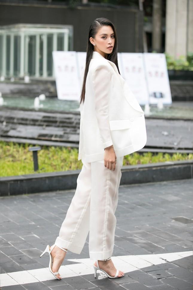 Dàn hoa hậu gợi cảm đầy 'quyền lực' dự sơ khảo phía Nam Hoa hậu Việt Nam 2020 ảnh 2