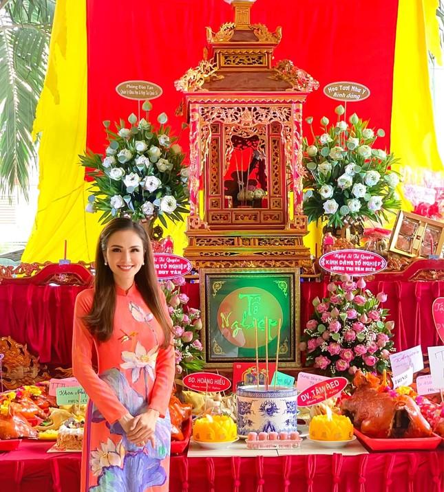 Tiểu Vy-Minh Tú đọ sắc với váy dạ hội đỏ rực, khoe đường cong sexy khiến fans 'ngây ngất' ảnh 12