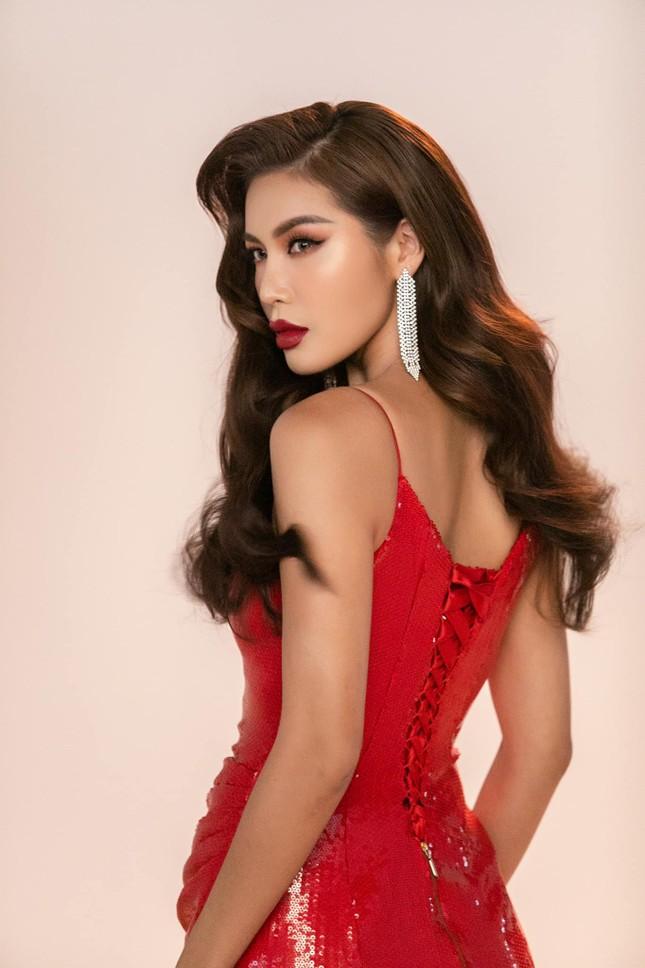 Tiểu Vy-Minh Tú đọ sắc với váy dạ hội đỏ rực, khoe đường cong sexy khiến fans 'ngây ngất' ảnh 4