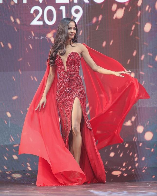 Á hậu Hoàn vũ thế giới 2019 khoe thân hình 'Vệ nữ' hoàn hảo với áo tắm làm fans ngây ngất ảnh 6