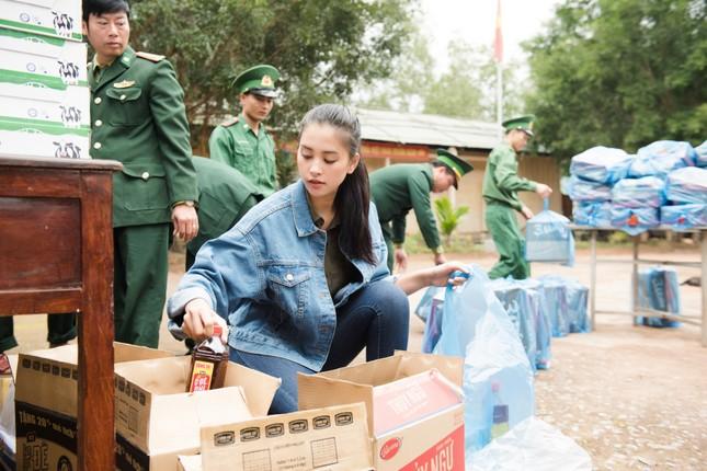 Tiểu Vy, Đỗ Mỹ Linh, Lương Thuỳ Linh sẽ lên đường cứu trợ các tỉnh miền Trung ảnh 1