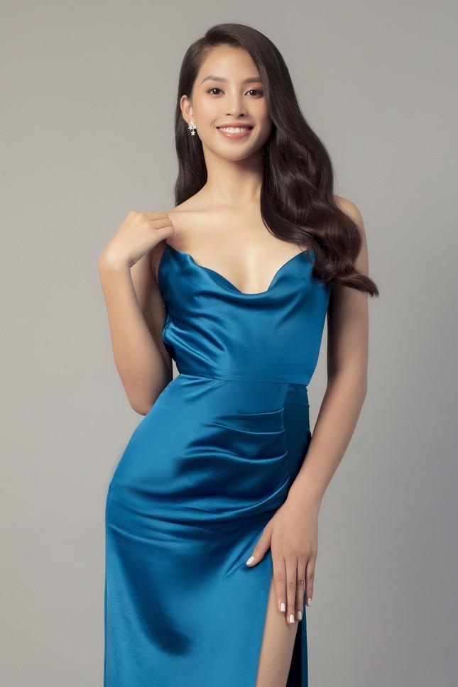 Mẹ Hoa hậu Tiểu Vy gây sốt với nhan sắc trẻ trung trong bộ ảnh 20/10 cùng con gái ảnh 8