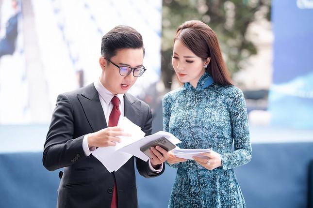 Á hậu Thuỵ Vân: 'Hoa hậu Đỗ Thị Hà sẽ còn đẹp và toả sáng hơn rất nhiều' ảnh 3