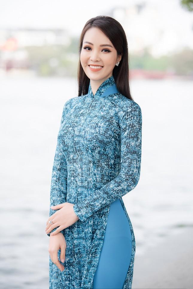 Á hậu Thuỵ Vân: 'Hoa hậu Đỗ Thị Hà sẽ còn đẹp và toả sáng hơn rất nhiều' ảnh 1