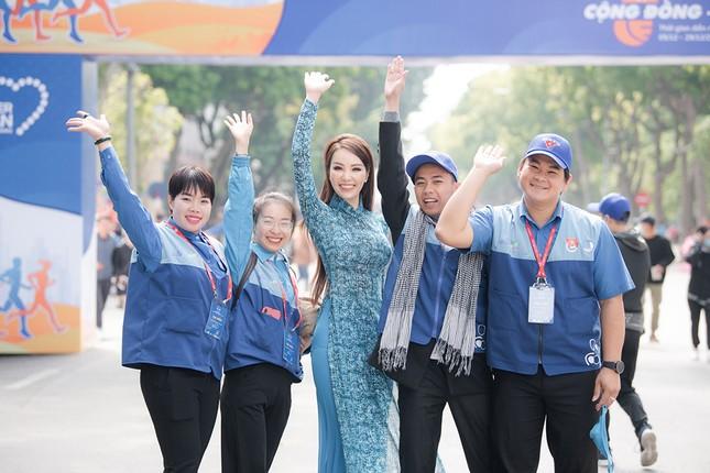 Á hậu Thuỵ Vân: 'Hoa hậu Đỗ Thị Hà sẽ còn đẹp và toả sáng hơn rất nhiều' ảnh 7