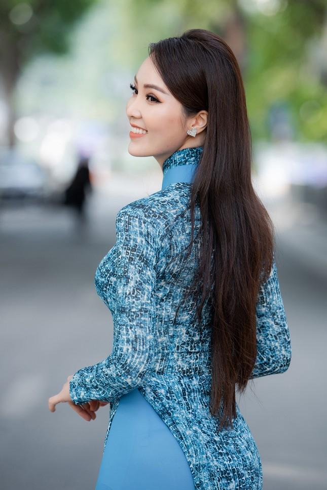 Á hậu Thuỵ Vân: 'Hoa hậu Đỗ Thị Hà sẽ còn đẹp và toả sáng hơn rất nhiều' ảnh 11