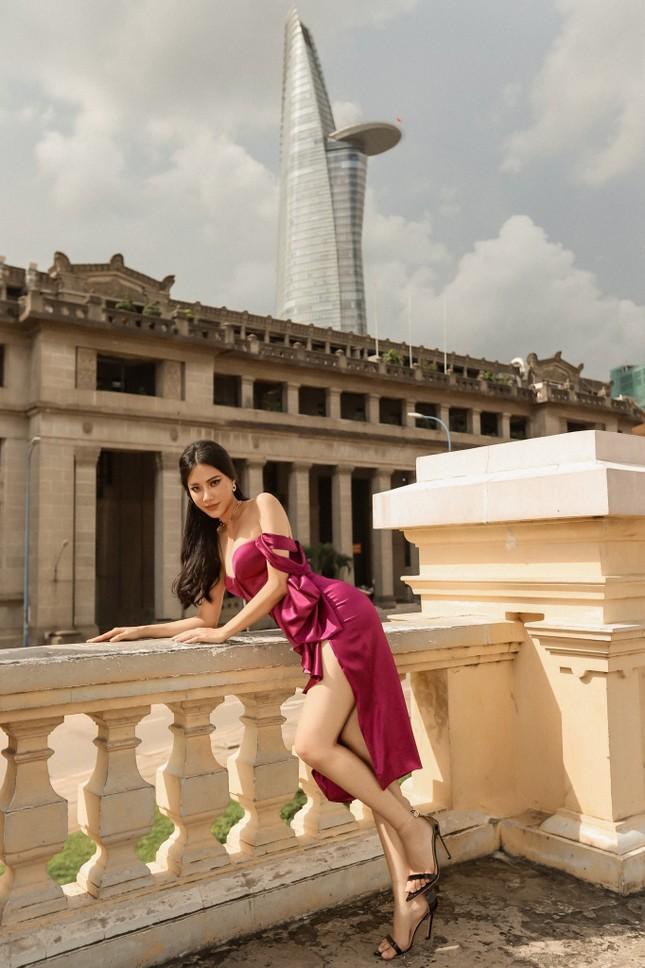 Kiều Loan khoe chân dài nóng bỏng, Á hậu Thuỳ Dung yêu kiều như đoá hồng với váy đỏ rực ảnh 8