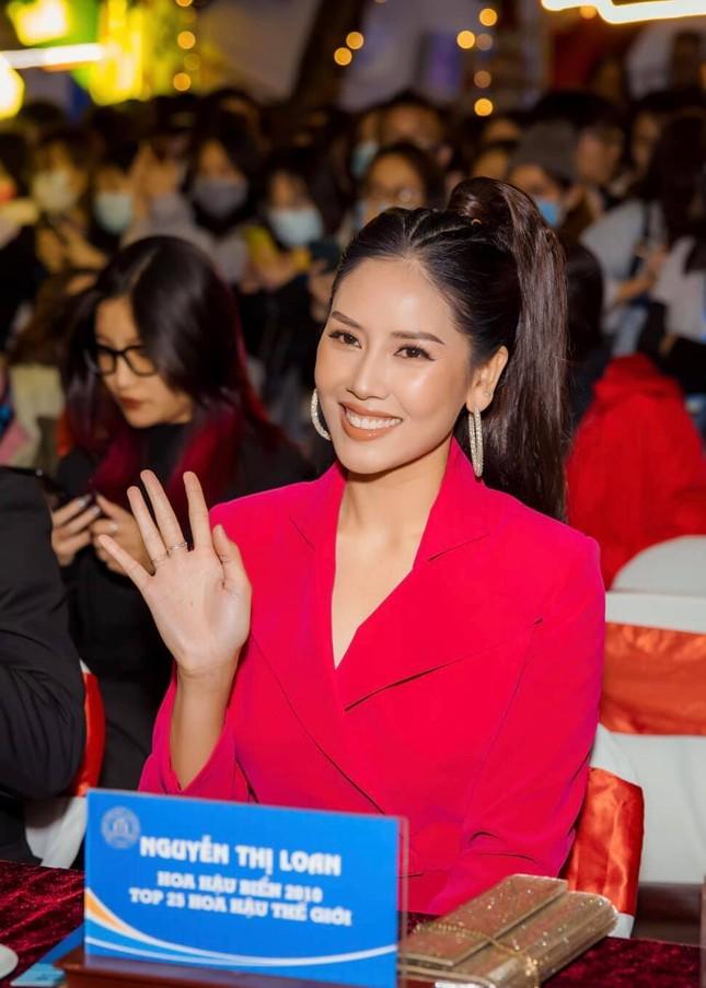 Hoa hậu Diễm Hương bất ngờ úp mở bạn trai mới, Minh Tú menly không nhận ra khi mặc vest ảnh 6