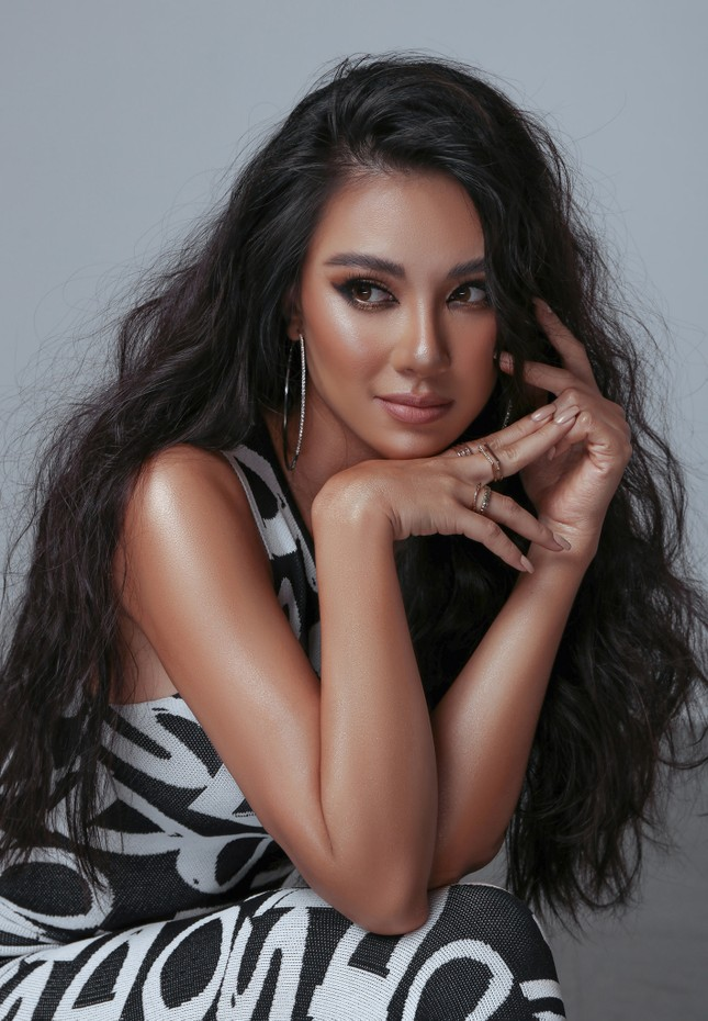 Hoa hậu Diễm Hương bất ngờ úp mở bạn trai mới, Minh Tú menly không nhận ra khi mặc vest ảnh 10