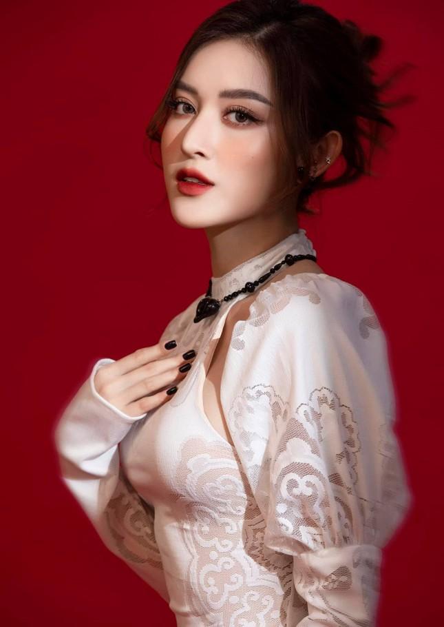 Hoa hậu Diễm Hương bất ngờ úp mở bạn trai mới, Minh Tú menly không nhận ra khi mặc vest ảnh 11