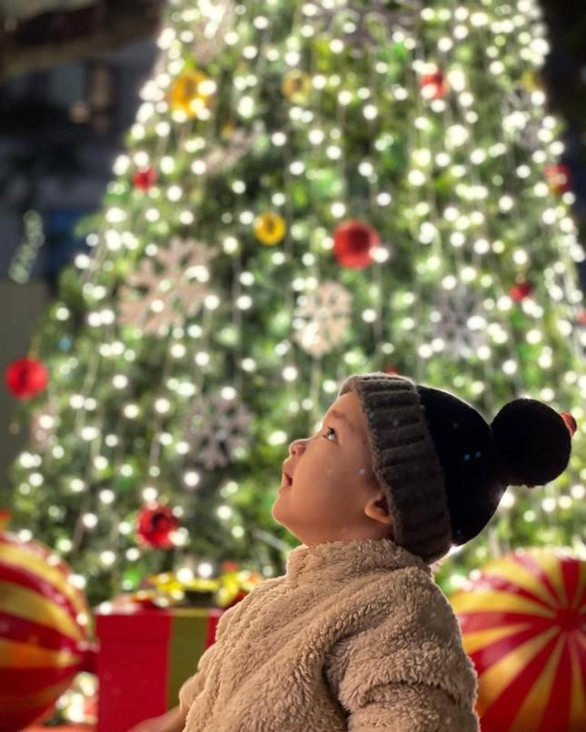 Dàn Hoa hậu, Á hậu trang hoàng nhà cửa lộng lẫy chuẩn bị đón Giáng Sinh ảnh 8