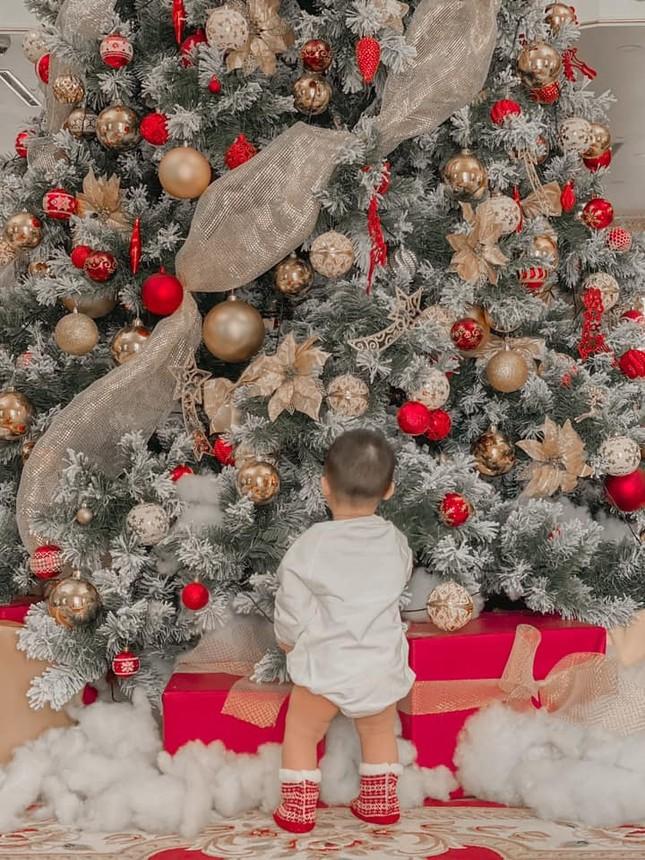 Dàn Hoa hậu, Á hậu trang hoàng nhà cửa lộng lẫy chuẩn bị đón Giáng Sinh ảnh 3