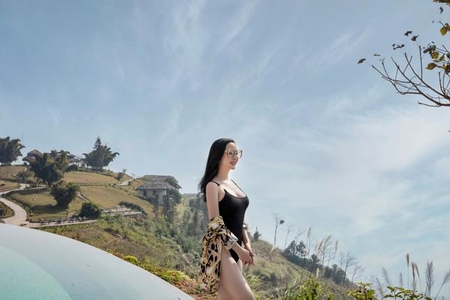 Hoa hậu Đỗ Thị Hà lộng lẫy tựa 'nữ thần', Á hậu Ngọc Thảo diện váy xẻ khoe chân dài 1m11 ảnh 5