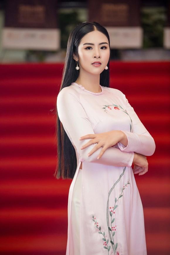 Top 3 HHVN 2010: Ngọc Hân thành nhà thiết kế nổi tiếng, Á hậu Hoàng My chu du khắp thế giới ảnh 6