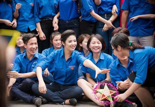 Top 3 HHVN 2010: Ngọc Hân thành nhà thiết kế nổi tiếng, Á hậu Hoàng My chu du khắp thế giới ảnh 3