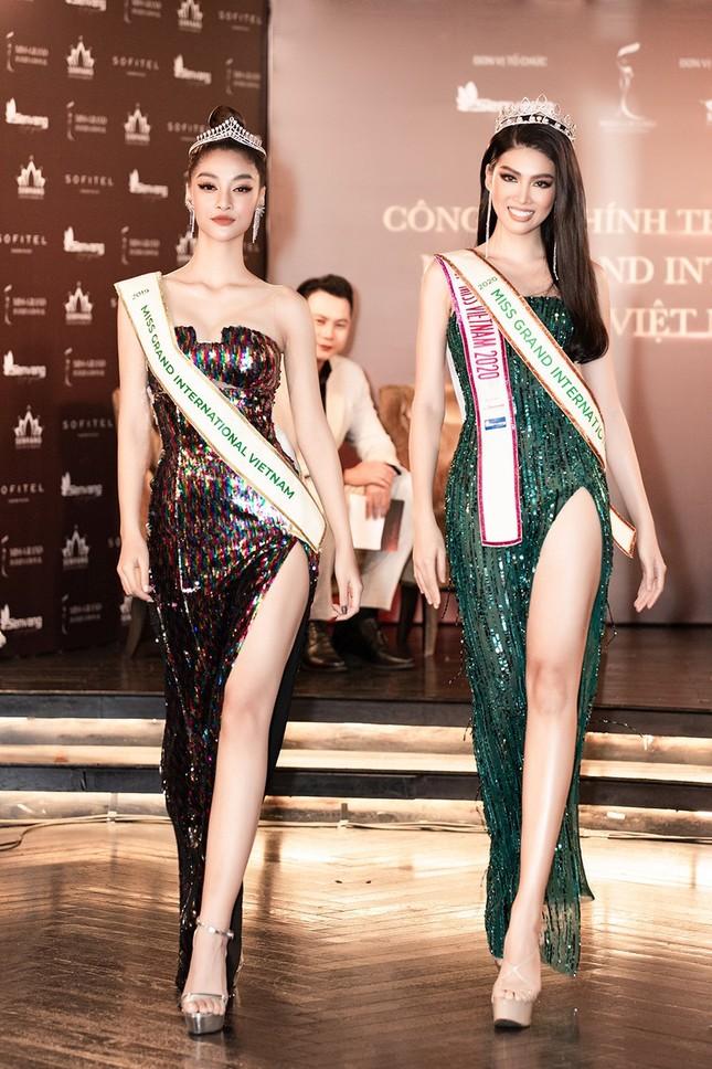 Sau màn catwalk lốc xoáy 3 vòng, Á hậu Ngọc Thảo hóa thân thành gái Thái xinh đẹp khiến fans trầm trồ ảnh 8