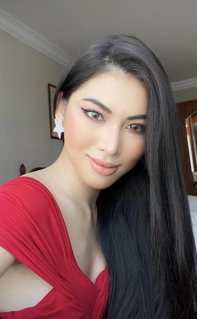 Á hậu Ngọc Thảo quay clip chia sẻ ngày đầu cách ly ở Thái, được fans quốc tế khen hết lời ảnh 2
