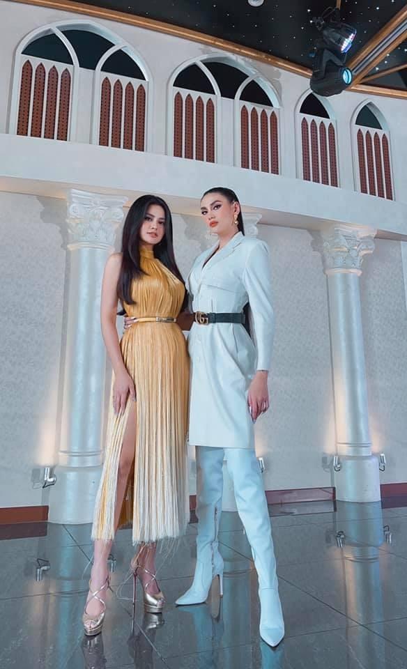 Hoa hậu Diễm Hương nóng bỏng với áo tắm, Người đẹp Nhân ái Thùy Tiên quyến rũ trên du thuyền ảnh 8