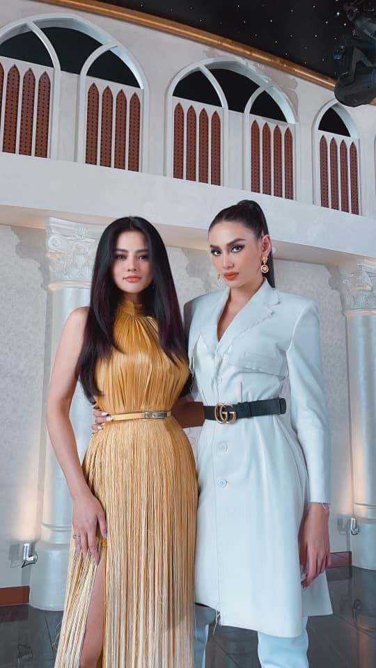 Hoa hậu Diễm Hương nóng bỏng với áo tắm, Người đẹp Nhân ái Thùy Tiên quyến rũ trên du thuyền ảnh 9