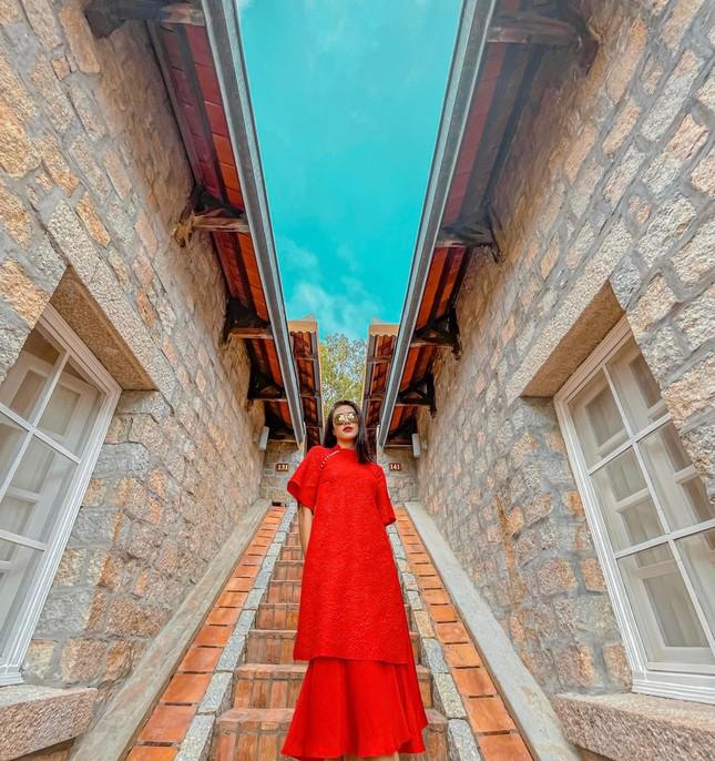 Hoa hậu Diễm Hương nóng bỏng với áo tắm, Người đẹp Nhân ái Thùy Tiên quyến rũ trên du thuyền ảnh 13
