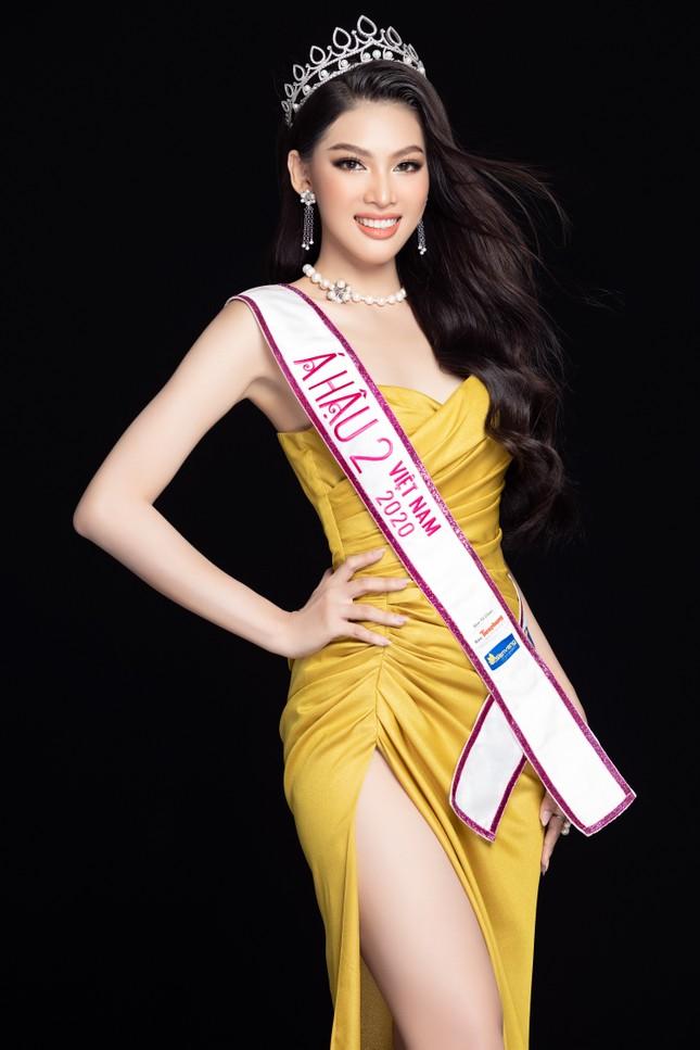 Lộ diện váy dạ hội lộng lẫy mang thông điệp hòa bình của Ngọc Thảo tại Miss Grand 2021 ảnh 1