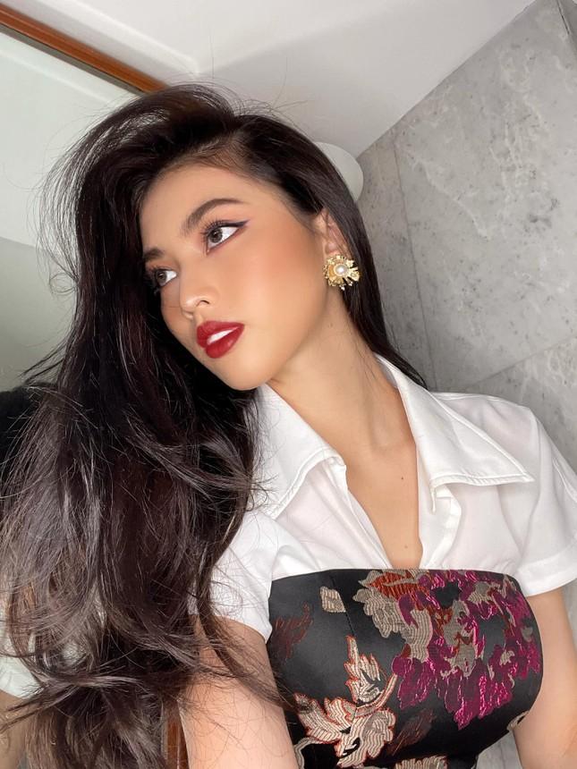 Á hậu Ngọc Thảo lọt top 10 bình chọn video giới thiệu bản thân tại Miss Grand 2021 ảnh 4