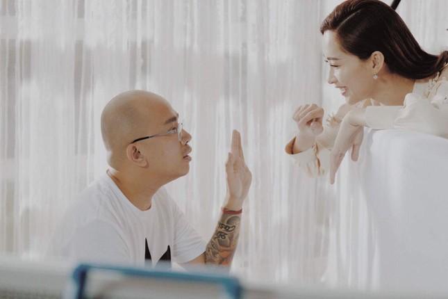 Hoa hậu Đặng Thu Thảo hối hận và xin lỗi 'phù thuỷ trang điểm' Phan Minh Lộc ảnh 1
