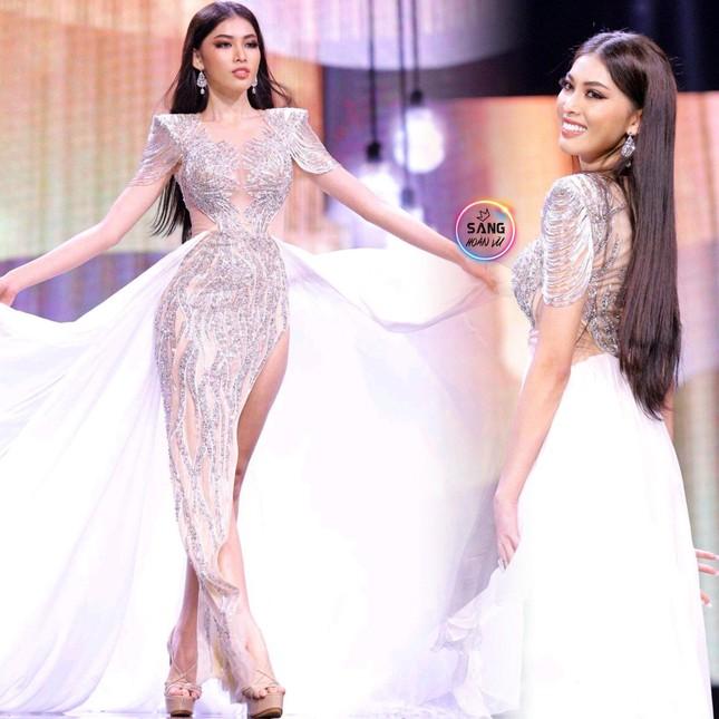 Ngọc Thảo catwalk thần sầu, 'gây bão' với màn hất váy tại bán kết Miss Grand ảnh 2