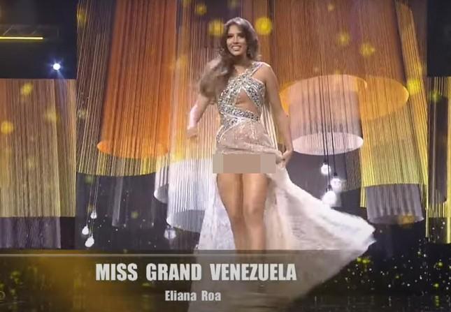 Hoa hậu Venezuela 'lộ hàng' gây sốc, Hoa hậu Panama 'lột váy' tại bán kết Miss Grand ảnh 2